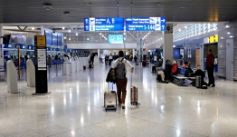 Συναγερμός για τα 12 κρούσματα σε πτήση από Ντόχα: Αναστέλλονται οι πτήσεις από και προς το Κατάρ