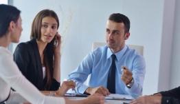 Μειώσεις εισφορών: Τι πρέπει να προσέξουν οι ελεύθεροι επαγγελματίες