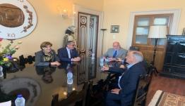 Συνάντηση εργασίας του Επάρχου Κω Νισύρου Ιωάννη Καμπανή με τον πρόεδρο του Επιμελητηρίου Δωδεκανήσου Παππού Ιωάννη, και μέλη του Δ.Σ.