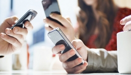Mυστηριώδες μήνυμα έλαβαν κάτοχοι τηλεφώνων Samsung (φωτο)