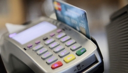 Το ΥΠΟΙΚ χτυπάει τη φοροδιαφυγή: Το σχέδιο για τις υποχρεωτικές αγορές με κάρτες