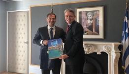 Συνάντηση στο υπουργείο Τουρισμού με τον πρέσβη των ΗΠΑ κ. Geoffrey Pyatt, είχε σήμερα ο υπουργός Τουρισμού κ. Χάρης Θεοχάρης.