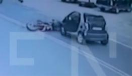 Θανατηφόρο τροχαίο στη Λαυρίου: Δείτε τη φονική σύγκρουση με ένα νεκρό και δύο τραυματίες (βίντεο)