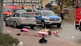 Γερμανία: Επίθεση σε καρναβάλι με 30 τραυματίες - Οδηγούσε «με τέρμα γκάζια, φαίνεται πως στόχευε παιδιά»