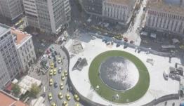 Γέμισε με νερό το συντριβάνι στην πλατεία Ομονοίας! (Photos)