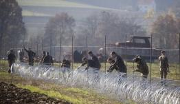 Σλοβενία: Επιμένει στη σκληρή στάση - Ενισχύει τον φράκτη για να μην περνούν μετανάστες