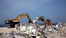 Στη... θέση τους τα αυθαίρετα - Κατεδαφίστηκαν μόλις 10 στη λεωφόρο Αθηνών - Σουνίου μετά την τραγωδία στο Μάτι