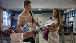 Επιχείρηση «τσιγάρο τέλος στα σχολεία» βάζει μπροστά το υπουργείο Παιδείας