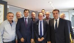 «Συνάντηση πολιτικής ηγεσίας του Υπουργείου Τουρισμού με την Πανελλήνια Ομοσπονδία Ταξί και Αγοραίων»