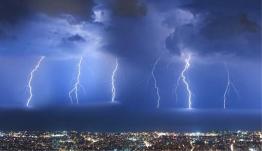 «Ηλεκτρικές» καταιγίδες: Πάνω από 10.000 κεραυνοί έπεσαν σε 12 ώρες