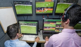 Super League 1: Ερχεται η γραμμή οφσάιντ στο VAR από τα play offs