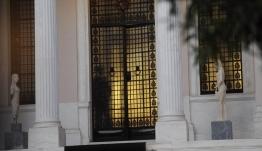 Στον ανασχηματισμό θα απομακρυνθεί ο υφυπουργός που «πρόδωσε» τον υπουργό του