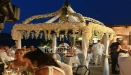 1.000+1 νύχτες στη Σύμη: Γάμος υπερπαραγωγή Τούρκων -Χλιδή και τσιφτετέλι πάνω στο τραπέζι μέχρι τελικής πτώσης
