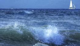 Κάρπαθος: Επτά τραυματίες σε τουριστικό πλοίο που έπεσε σε θαλασσοταραχή