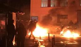 Σοβαρά επεισόδια σε Λέσβο και Χίο – Μάχες σώμα με σώμα κατοίκων-ΜΑΤ (φωτογραφίες – βίντεο)