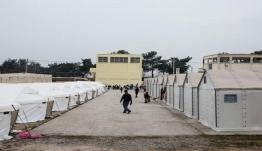 Μηταράκης: 10.000 πρόσφυγες και μετανάστες εκτός δομών φιλοξενίας από σήμερα