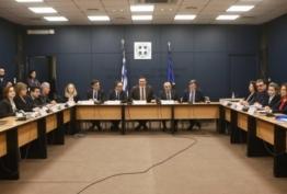 Συναγερμός λοιμωξιολόγων για τον κορονωϊό - Σύσκεψη στο Υπουργείο Υγείας