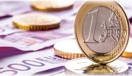 Τέλος τον Οκτώβριο στα capital controls - Σενάρια για «κούρεμα» καταθέσεων του εξωτερικού