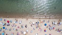 Financial Times: Αερογέφυρα μεταξύ Ελλάδας-Βρετανίας για τον τουρισμό από τον Ιούλιο