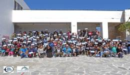 """Keep Aegean Blue"": 412 κιλά σκουπίδια έβγαλαν από την παραλία, του Αγίου Φωκά στην Τήνο μαθητές και δύτες"